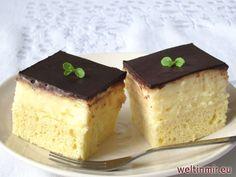 Rumnachtisch mit einer feinen Creme, mit beliebter Schokolade überzogen.