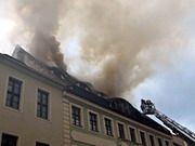 #Feuer in historischem Wohnhaus Hunderttausende Euro Schaden bei Brand in Görlitz