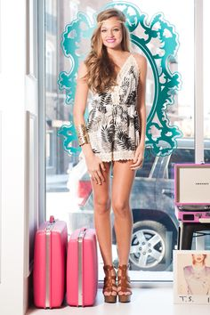 This romper is so cute! Perfect for summer