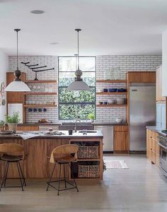 Big Kitchen Trends In 2016 - Interior Decor and Designing Loft Kitchen, Eclectic Kitchen, Big Kitchen, Modern Kitchen Design, Kitchen Interior, Kitchen Storage, Island Kitchen, Awesome Kitchen, Timber Kitchen