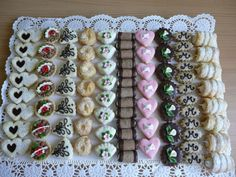 Different Pastries Lined up Christmas Sweets, Christmas Baking, Christmas Cookies, Wedding Plates, Wedding Sweets, Sweet Cooking, Czech Recipes, Confectionery, Mini Cakes