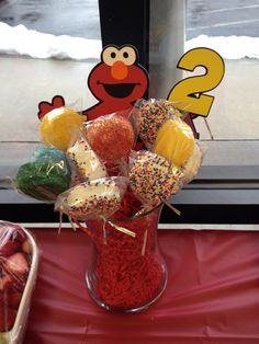 Elmo birthday party/ Oreo pops
