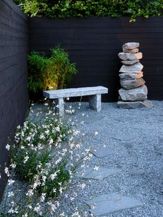 Amazing Gardens, Beautiful Gardens, Drought Resistant Landscaping, Pea Gravel Patio, Rustic Outdoor Decor, Porch Garden, Garden Landscape Design, Landscaping With Rocks, Patio Design