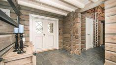 hytte interiør - Google Search Rustic Elegance, Old Wood, Log Homes, Neutral Colors, My Dream Home, Garage Doors, Cottage, Outdoor Decor, Wooden Houses