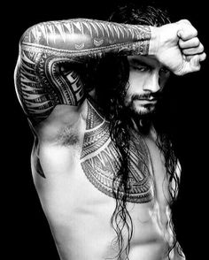 Check out detailed photos of the coolest tattoos in WWE, featuring the ink of WWE World Heavyweight Champion and United States Champion Seth Rollins, Big Show and Kofi Kingston. Wwe Roman Reigns, Wwe Superstar Roman Reigns, Roman Reigns Workout, Roman Reigns Tattoo, Seth Rollins, Roman Regins, Tatto Ink, Black Dagger Brotherhood, Wwe World