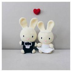 Amigurumi bunny bride and groom wedding dolls. (Inspiration).