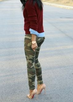 9 Stunning Outfits with Camouflage Pants Camo Pants Outfit, Camo Outfits, Mode Outfits, Casual Outfits, Camo Dress, Camo Fashion, Look Fashion, Fashion Outfits, Fashion Tips