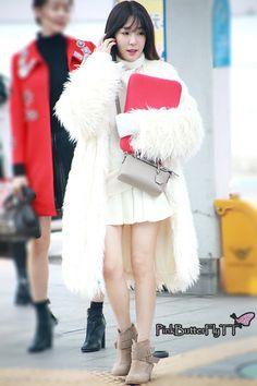 Tiffany❤️ Snsd Airport Fashion, Snsd Fashion, Fashion Idol, Ulzzang Fashion, Korean Fashion, Trendy Fashion, Tiffany Girls, Snsd Tiffany, Tiffany Hwang