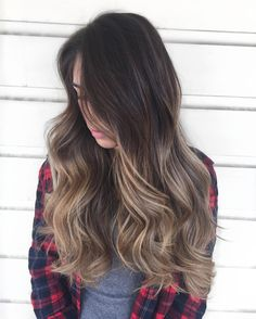 "169 curtidas, 8 comentários - BriAnna Castro (@cosmobrianna) no Instagram: ""I love keeping true brunettes rooty with beautiful creamy blonde dimension! #balayage…"""