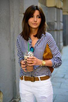 coupe de cheveux femme avec chemise a carreaux blanches noires