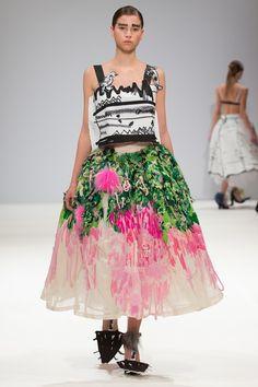 Art collides with fashion - Edda Gimnes AW2016 ready to wear