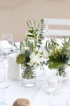 51 Ideas for brunch wedding decorations floral design Wedding Ceremony Flowers, Wedding Flower Arrangements, Floral Wedding, Wedding Bouquets, Centerpiece Flowers, Centerpiece Ideas, Wedding Table Centerpieces, Wedding Decorations, Deco Floral