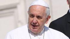"""Papa Francisco: """"Me he sentido usado por gente que se ha presentado como amiga"""" 14/09/2015 - 12:02 pm .- El Papa Francisco confesó en una reciente entrevista que se ha sentido usado por gente que se presenta como amiga suya y a quienes, quizás, él no ha visto más que una o dos veces."""