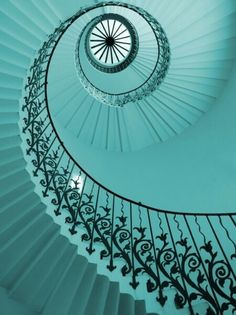 Staircase - beautiful, spiral, cool aqua blue, reminds me of a seashell Tiffany Blue, Verde Tiffany, Azul Tiffany, Shades Of Turquoise, Turquoise Color, Shades Of Blue, Turquoise Jewelry, Color Menta, Mint Color