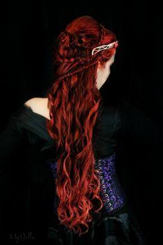 Photography - Beauty auburn and red hair on Her-Hair - deviantART Couleur Ombre Hair, Pretty Hairstyles, Braided Hairstyles, Elven Hairstyles, Fairytale Hair, Fairytale Fashion, Celtic Hair, Corte Y Color, Gorgeous Hair