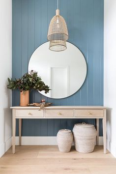 Love this gorgeous entryway with its gorgeous console table, oversized round mirror, woven pendant light andbaskets Beautiful Interior Design, Interior Design Inspiration, Beautiful Interiors, Home Decor Styles, Home Decor Accessories, Coastal Master Bedroom, Coastal Decor, Modern Coastal, Coastal Farmhouse