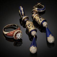 Beautiful jewelry art by Armenian artist-jeweler Vaagn Mkrtchyan Blue Earrings, Unique Earrings, Famous Jewelry Designers, Melania Trump Ring, Armenian Culture, Tribal Women, Vanitas, Jewelry Art, Jewelery