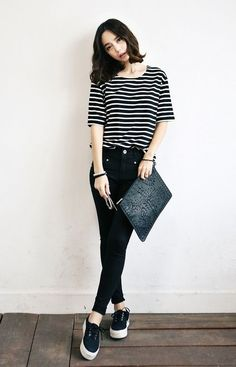 50 best korean casual outfits images in 2018 Ulzzang Mode, Korean Fashion Ulzzang, Korean Fashion Summer, Korean Fashion Casual, Korean Fashion Trends, Korean Street Fashion, Korea Fashion, Classy Fashion, Korean Casual Outfits