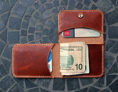 Men's Fashion Accessories Slim Tri-fold Leather Wallet / Handcrafted / Handstitched / Made in America / Custom Thread / Groomsman Gifts / Horween Leather Crea Cuir, Diy Accessoires, Leather Projects, Slim Man, Groomsman Gifts, Leather Accessories, Leather Craft, Leather Gifts, Handmade Leather