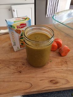 2 cups romain, 1/2 cup carrots, 1/2 cup avocado, 1/2 cup almond milk, 1 cup filtered water, 1 packet Lipton tea mix