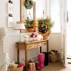 Новогоднее украшение прихожей