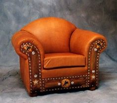 Club Chair w/ Tooled Cowboy Design...holy moly I want that!