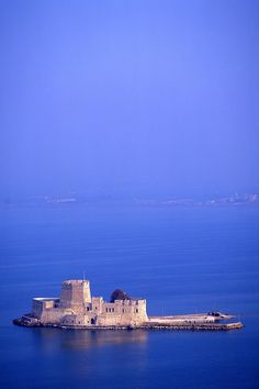 There are times when alone is the best place to be! Bourtzi Castle, Nafplio, Greece stands alone proudly in the middle of the sea! Beautiful Castles, Beautiful Places, Greek Isles, Greece Islands, Greece Sea, Photography Tours, Medieval Castle, Kirchen, Greece Travel