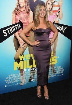 Jennifer Aniston Wears Burberry Dress | StyleCaster