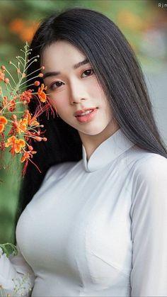 Women facts Source by Pure Beauty, Beauty Women, Ethno Style, Vietnam Girl, Cute Asian Girls, Hot Girls, Asia Girl, Beautiful Asian Women, Ao Dai
