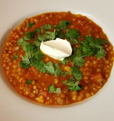 Spicy lentil soup - mausteinen linssikeitto Spicy Lentil Soup, Chana Masala, Lentils, Meal Prep, Meals, Cooking, Ethnic Recipes, Food, Kitchen