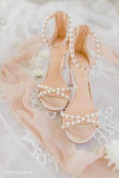 Wedding Shoes Bride, White Wedding Shoes, Wedding Shoes Heels, Bride Shoes, Flat Wedding Sandals, Flat Bridal Shoes, Wedding App, Wedding Ceremony, Dream Wedding