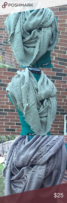 NEW Infinity Scarf NEW Great Gift Color: Green 50% Cotton/ 50% Polyester Please ask if you have questions BEFORE buying to avoid problems. Happy Shopping :) Accessories Scarves & Wraps