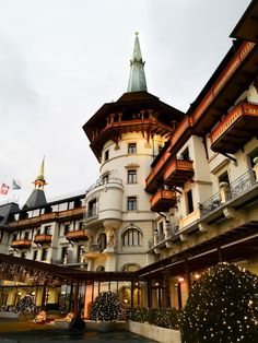 Un pomeriggio a 5 stelle: a Christmas Dolder Story - Zurich Wonderland City Resort, Grand Hotel, Switzerland, Beautiful Places, Europe, House Styles