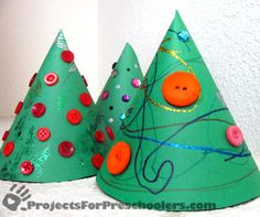 How to make a paper cone Christmas tree: Cut construction paper into a circle. Decorate, covering the front side of the paper but leaving a little on each edge blank for gluing later. Wrap paper into a cone shape and glue edges. Preschool Christmas, Christmas Crafts For Kids, Christmas Activities, Preschool Crafts, Holiday Crafts, Holiday Fun, Cone Christmas Trees, Noel Christmas, Winter Christmas