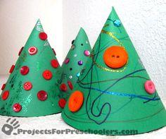 Arbre de Nadal/ Paper Cone Christmas Trees