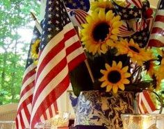 USA American flags & sunflowers decoration
