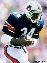 Bo Jackson--my all time fave athlete College Football Rankings, College Football Players, School Football, Oakland Raiders Football, Auburn Football, Auburn Tigers, Best Running Backs, American Football