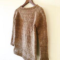 My Sweater in #alfeire by @rosapomar from #retrosariarosapomar in done! #wool #yarn #handmade #knitting #malhaamalha #knitstagram #knittingaddict #knitwear #knittersofinstagram #tricot #wool #handknit #knitting_inspiration
