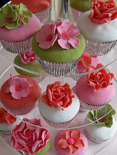 Flower cupcakes by Cotton and Crumbs, via Flickr