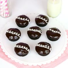Lindsay Ann Bakes: {VIDEO} Cream-Filled Chocolate Cupcakes (Homemade Hostess Copycat Recipe)