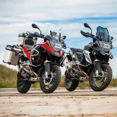 BMW GS sur Instagram : BMW R1200GSA & R1200GS  - - -  @annboyko_photo #makelifearide #bmw #r1200gs #tour #bmwgram #bmwgsfans #bmwmotorrad #r1200gsa #followme…