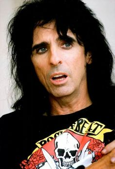 Just Alice Cooper being sexy...as always and naturally.