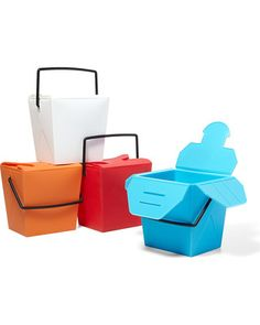 It is easy to go green with these nifty reusable to-go containers! Buy them here: http://www.bhg.com/shop/dc-dci-i-am-a-to-go-box-p5049973682a7e3b7aae61e75.html?socsrc=bhgpin112112togobox