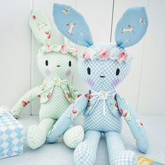 Gorgeous gorgeous fabric 'Bunnies and Cream' makes up beautifully 🐰🐰🐰💟 Tiny Dolls, Soft Dolls, Homemade Stuffed Animals, Tilda Toy, Bunny Toys, Bunnies, Fabric Toys, Sewing Toys, Diy Embroidery