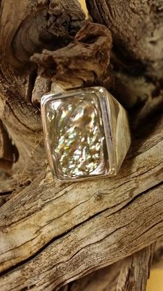 Check out this item in my Etsy shop https://www.etsy.com/listing/531233767/abolone-ring