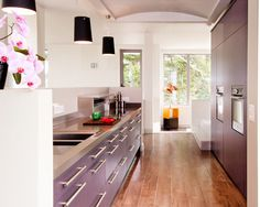 Kitchen by Hausmann Kitchens http://www.houzz.com/photos/1908709/Nenagh-Co-Tipperary-modern-kitchen-dublin #