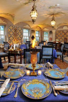 The former home of Italian designer Gianni Versace is today a luxury boutique hotel, restaurant and event space with a remarkable history. #vesacemansion #miami #realestate