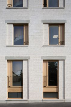 Architecture Homes Bricks Gallery of Extension And Renovation Of A Doctoral School / Agence Vulcano-Gibello - 2 Architecture Renovation, Brick Architecture, Residential Architecture, Contemporary Architecture, Chinese Architecture, Futuristic Architecture, Architecture Office, Brick Facade, Facade House
