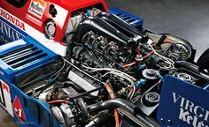 F1第2期デビュー機となったRA163Eエンジン。参戦前のオフテスト時から、排気の取り回し方式はいくつかの仕様が試されている。