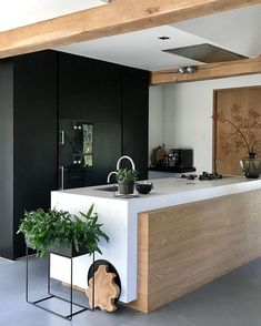 Don't you just love the beautiful kitchen of 👈🏻 Ferm Living large plant box in black is now available in our sale✨ . Kitchen Inspirations, Interior Design Kitchen, House Interior, Kitchen Decor Apartment, Beautiful Kitchens, Kitchen Interior, Home, Interior, Contemporary Kitchen